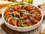 Рецепта Лесен картофен огретен с патладжани, тиквички, домати, сирене, извара и кашкавал печен на фурна